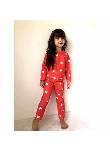 Quzucuk Kids Kız Çocuk Kalp Figürlü Kırmızı Pijama Takımı Renkli
